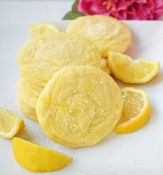 Lemon Sugar Cookies. Sweet and tangy cookies that taste like lemonade in a cookie. Soft and tender lemon cookies are one of the most popular cookies. www.modernhoney.com