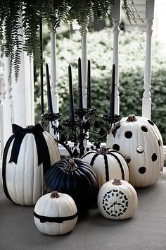 Black and White Halloween Pumpkins by @Heather Creswell Creswell Creswell Creswell // Whipperberry #halloween #decoration #pumpkins
