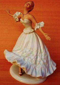 Wallendorf Dancer