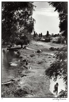 © Willy Ronis, 1957, 'Ile brise pain', Créteil, France