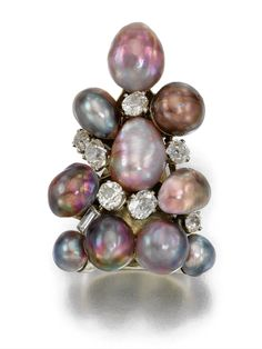 Ring Suzanne Balperron, 1935 Sotheby's.  That's a pyramid of pearls!