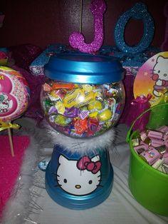 Treats at a Hello Kitty Party #hellokitty #party
