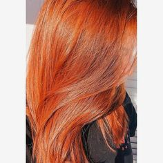 Light Brown Hair Discover Carrara Crimson - Light red with hints of copper. Burnt Orange Hair, Orange Ombre Hair, Dyed Red Hair, Red Hair Orange Highlights, Purple Hair, Fall Hair Colors, Hair Color For Black Hair, Dyed Natural Hair, Natural Hair Styles