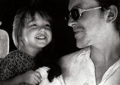with daughter Isobel. Kerala India 1999 © Ingrid Chavez