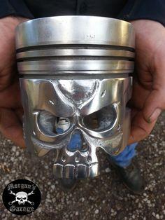 Welding Crafts, Welding Art, Metal Skull, Skull Art, Car Part Art, Car Furniture, Crane, Tech Art, Metal Yard Art