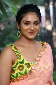 South Indian Actress RAMAYAN STORY IN ONE PHOTO .... PHOTO GALLERY  | PBS.TWIMG.COM  #EDUCRATSWEB 2020-04-23 pbs.twimg.com https://pbs.twimg.com/media/EWVzULrXQAAK6wh?format=jpg&name=small