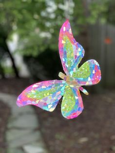 Butterfly by Sunshiners® Butterfly Crafts, Butterfly Art, Butterfly Design, Mosaic Crafts, Mosaic Art, Mosaic Garden, Garden Art, Diy And Crafts, Crafts For Kids