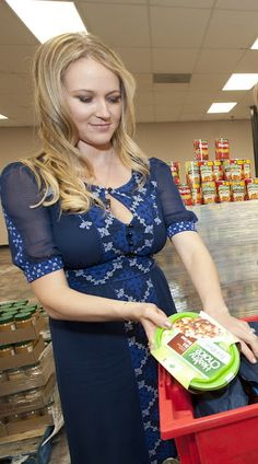 Did you know that four-time Grammy winner Jewel grew up facing hunger and homelessness? She is now the spokesperson for a new campaign to end childhood hunger.