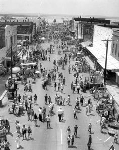 Florida Memory - Aerial view of a sidewalk festival - Fernandina Beach, Florida