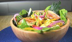 Nada como un rico aderezo casero ligero para disfrutar las ensaladas o verduras cocidas que acostumbras a comer. No te lleva más de 5 minutos prepararlo y toda tu familia lo va a disfrutar. El aderezo casero ligero le aportará un sabor inigualable a tus ensaladas, el secreto de esta receta es el delicioso Caldo de Pollo McCormick®.