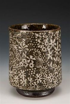 AKAR: : Art / Kline, Michael / Yunomi Chawan, White Clay, Pottery Mugs, Tea Bowls, Ceramic Artists, Clay Ideas, Pots, Objects, Surface