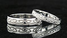 Celtic Wedding Rings: Recessed Eternal Knot Band