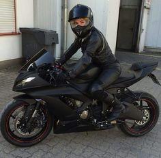 Motorräder, Biker und mehr: Foto - motorrad - Motorrad Motorcycles, bikers and more: Photo - motorcycle - Motorbike Girl, Motorcycle Bike, Classic Motorcycle, Women Motorcycle, Motorcycle Outfit, Lady Biker, Biker Girl, Motos Honda, Suzuki Gsx