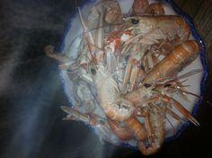 Dish of steaming prawns yum yum :)) Prawn, Yum Yum, Restaurants, Dishes, Food, Tablewares, Essen, Restaurant, Meals