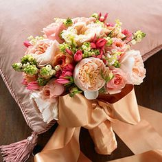 ribbon tied posy
