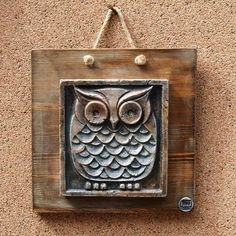 SEVGİLİ EVİM - | STEP SANAT| Duvar Aksesuarları | Baykuş Pano | STEP SANAT Ceramic Owl, Wall Plaques, Clay Art, Sculpting, Decorative Boxes, Carving, Diy Crafts, Key Holders, Pottery Ideas
