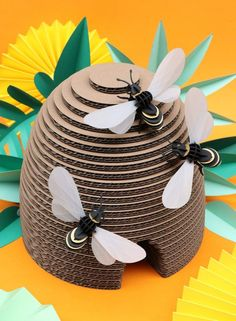 beehive made from cardboard and paper bee puzzles in an all paper natural setting All Paper, Paper Art, Cardboard Crafts, Paper Crafts, 3d Paper Projects, Bee Party, Summer Crafts, Art For Kids, Bee Crafts For Kids