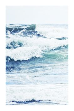Une belle carte postale, des vagues, ça donne envie d'évasion vous ne trouvez pas ? #ocean #mer
