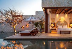 Cette villa de rêve délicieusement éclairée dans la nuit