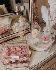 Gold Aesthetic, Classy Aesthetic, Aesthetic Room Decor, White Bedroom Decor, Room Ideas Bedroom, Collage Background, Beauty Room, Luxurious Bedrooms, Decoration