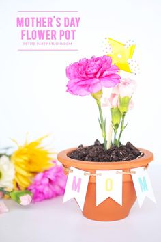 All these 65 DIY Mother's-day Craft - Cheerful & Easy To Do Ideas are amazing so you just have to grab some of the basic supplies and the main craft that is the base of the project. Cute Mothers Day Gifts, Mothers Day Crafts For Kids, Crafts For Kids To Make, Mothers Day Cards, Happy Mothers, Flower Cards, Paper Flowers, Diy Flowers, Mothers Day Flower Pot