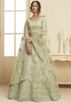 Green Lehenga, Lehenga Skirt, Silk Lehenga, Bridal Mehndi Dresses, Bridal Lehenga, Lengha Design, Lehenga Choli Latest, Organza Saree, Indian Bollywood