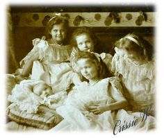 The four Grand Duchesses with their new born brother, Tsaravich Alexie