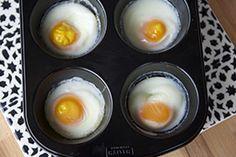 Qooking.ch | Oeuf poché cuit avec un moule à muffins