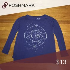 American Eagle Constellations Long Sleeve Shirt Long sleeve shirt that has a constellation design on the front. Soft and comfy!! Like new American Eagle Outfitters Tops Tees - Long Sleeve