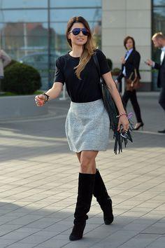 Mama ma żal do Lewandowskiej. Robert Lewandowski, I Robert, Dress Outfits, Dresses, Fashion Boots, Sequin Skirt, Anna, Mini Skirts, Legs