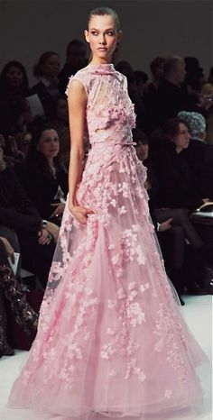 Elie Saab. As romantic as always...I would love to own an Elie Saab dress someday... *sigh*