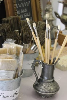A few tips from Amy Chalmers of Maison Decor. Using Paint brushes and Chalk Paint® decorative paint by Annie Sloan