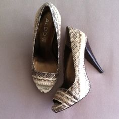 SALEAldo shoes 20% OFF!!! It will be applied when you purchase.Excellent condition. Wore once. ALDO Shoes