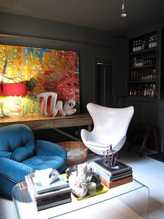 Dark walls and bright furnishings