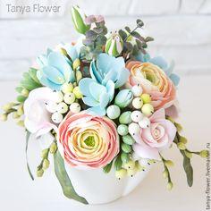 Купить Букет с ранункулюсами и голубыми фрезиями. - tanya flower, букеты из глины, цветы из полимерной глины