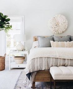 basic room layout concepts that fast as well as easy to carry out & will certainly transform your bedroom right into a haven of serenity decor natural Modern Bedroom Carpet Ideas Home Decor Bedroom, Bedroom Inspirations, Home Bedroom, Rustic Bedroom, Bedroom Design, Bedroom Carpet, Home Decor, Modern Bedroom Decor, Master Bedroom Colors