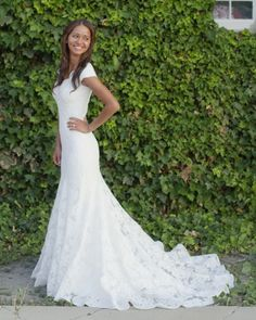 White Ivory Lace Flower Girl Dresses 2017 Tank Long Girls First Communion Dress Pagaent Dress vestidos primera comunion 2016 from Reliable dresses plus size girls suppliers on Bright Li Wedding Dress Wedding Dress Mermaid Lace, Mermaid Dresses, Dress Lace, Dress Sleeves, Cap Sleeves, White Dress, Wedding Dresses Lds, Gown Wedding, Lace Wedding