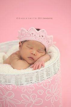 Baby crochet crown
