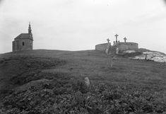 Kálvária domb, Fellner Jakab építette kis kápolnával, kálvária szoborcsoporttal.