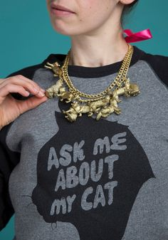 Make this golden feline necklace and more with The Bag o' Plastic Cats!