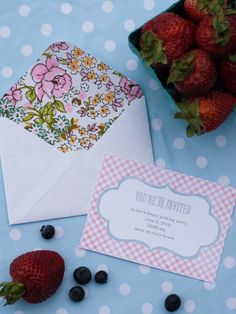 BERRY PICKING PARTY PRINTABLE INVITE