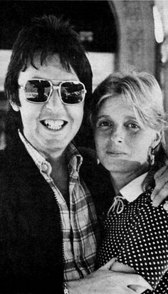 S. J. Paul McCartney♥♥Linda Eastman-McCartney♥♥   Say CHEESE! :D