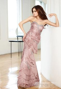Glamorous Sweetheart Floor-Length Tiered Dress $186.59