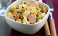 Συνταγή για πατατοσαλάτα με γιαούρτι και λουκάνικα βραστά