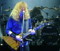 Dave Mustaine playing live with his Dean Zero Korina. #deanguitars #megadeth