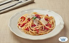 Fettuccine with Red Pepper Sauce
