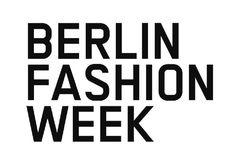 A primeira temporada de moda de 2016 já está rolando nas principais capitais do mundo e pela primeira vez estou me aventurando em uma maratona europeia. O Mercedes-Benz Fashion Week Berlin começou segunda-feira passada e estar aqui durante essa semana é uma loucura: desfiles por todos os lados, todos os tipos de trade shows, palestras, exposições e after show parties – cada uma em um lugar mais maravilhoso que o outro! A estrutura do #MBFW aqui em Berlin é bem diferente da nossa conhecida…
