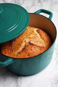 Classic French Boule Bread in Dutch-Oven recipes backen backen rezepte bread bread bread Dutch Oven Bread, Dutch Oven Cooking, Dutch Oven Recipes, Dutch Ovens, French Cooking Recipes, Artisan Bread Recipes, Sourdough Recipes, French Boule Recipe, Dutch Oven Sourdough Bread Recipe