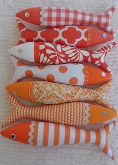 Handmade traditional Portuguese sardines in fun ocean colors - . Handmade traditional Portuguese sardines in fun ocean colors - Rainbow & cloud garland, rainbow birthda. Fabric Toys, Fabric Crafts, Sewing Crafts, Sewing Projects, Craft Projects, Crafts To Make, Crafts For Kids, Arts And Crafts, Fabric Fish
