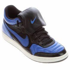 62d81f126aab2 Inspirado na icônica chuteira do Mundial de 1994, o Tênis Nike NSW Tiempo  94 Mid esbanja versatilidade. A língua removível possibilita o uso como  calçado ...